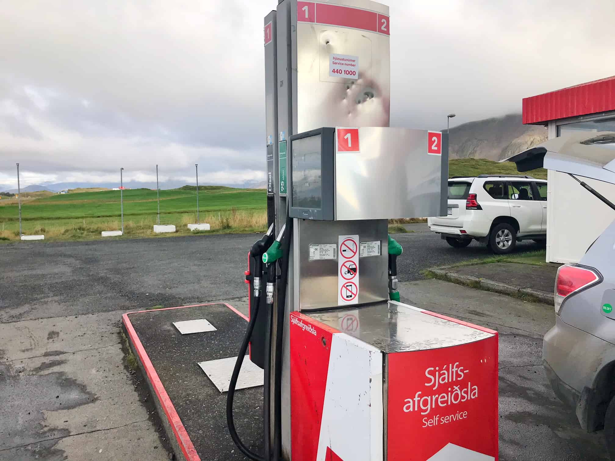 you will need cash currency in Iceland for getting gas in Iceland | cash money in Iceland is necessary for gas if you don't have a pin card