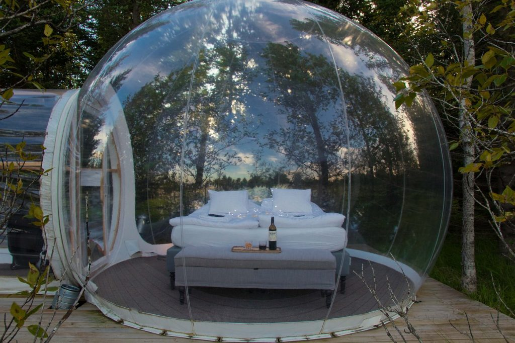 The transparent buuble tent is for glamping travelers who are looking for private sky watching from bed