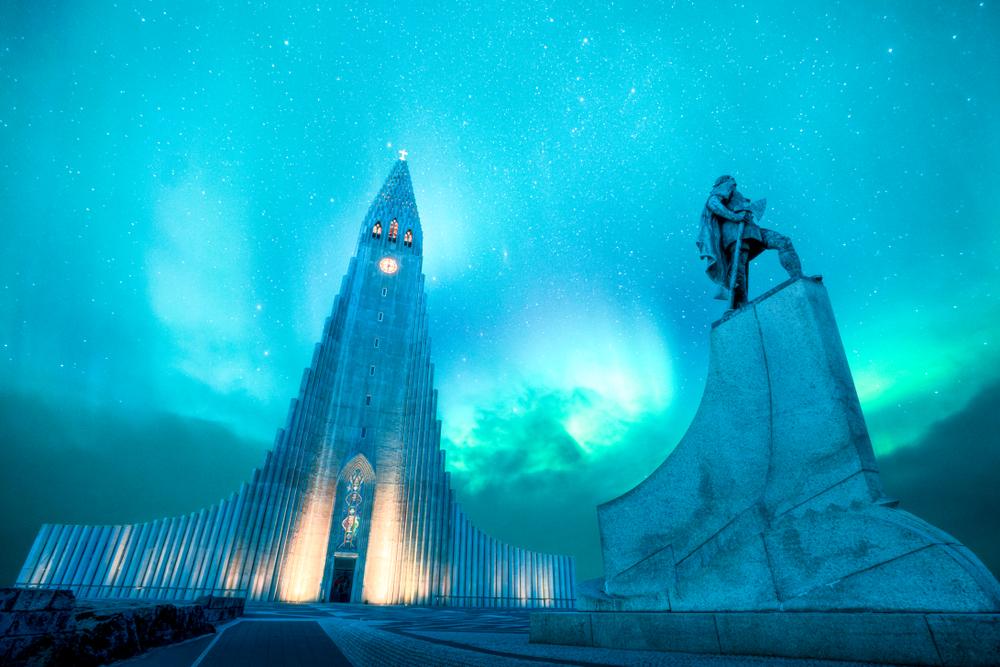 hallgrimskirkja church in iceland with northern lights
