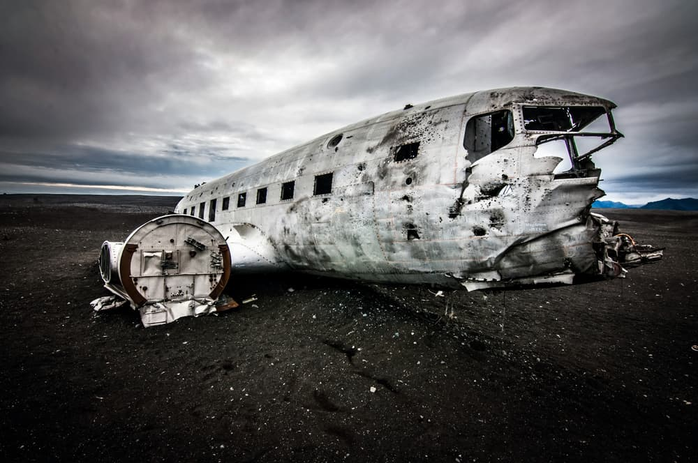 angled side view of the Iceland plane crash on the beach