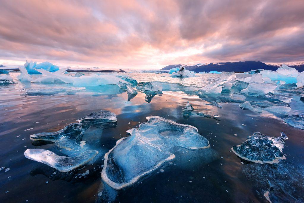 icebergs floating and washed ashore at the Jokulsarlon Glacier Lagoon